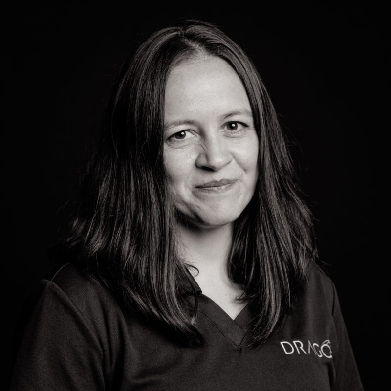 Gloria is a Senior Industrial Consultant in Dragos with more than 15 years of experience in ICS systems as a control Engineer